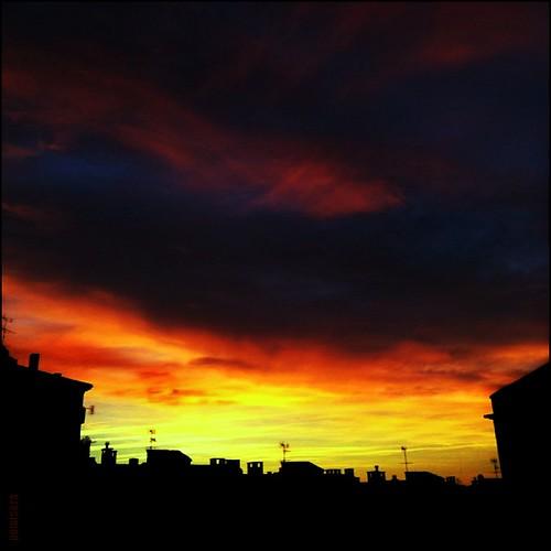 sky sunrise square cel catalonia amanecer ciel cielo squareformat berga salidadelsol leverdusoleil sortidadelsol pemisera iphoneography instagramapp uploaded:by=instagram iphoneografiacat foursquare:venue=5043d3cbe4b09c6ce58dab2b