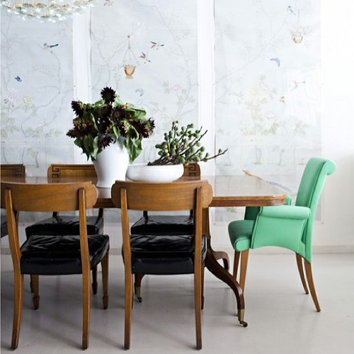 A touch of mint for the dining room. Love this look #interiors cc: @tobifairley