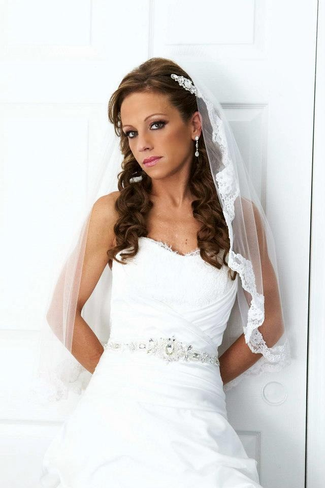 custom lace-edged veil, veil edged with lace from the bride's gown, elbow length lace veil