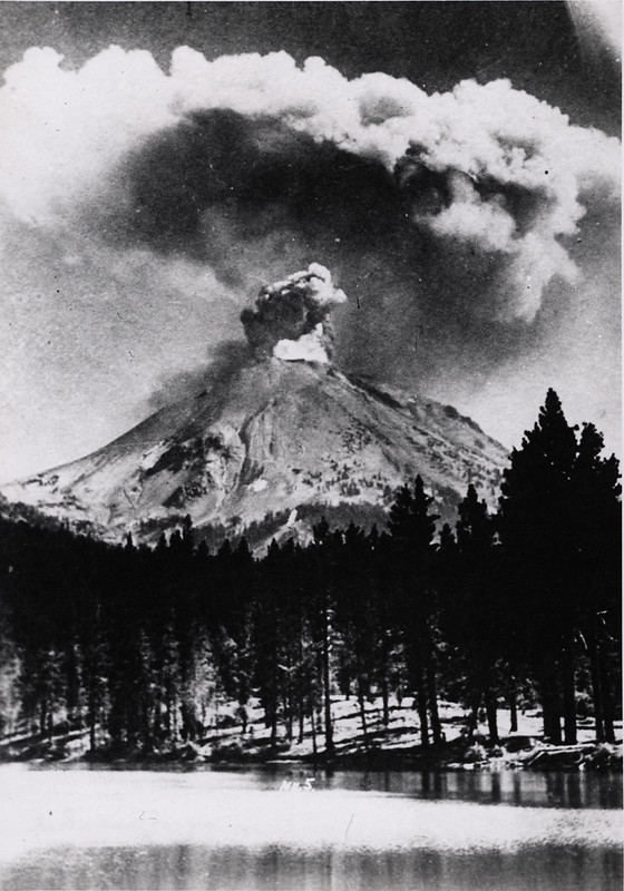 Lassen Peak eruption
