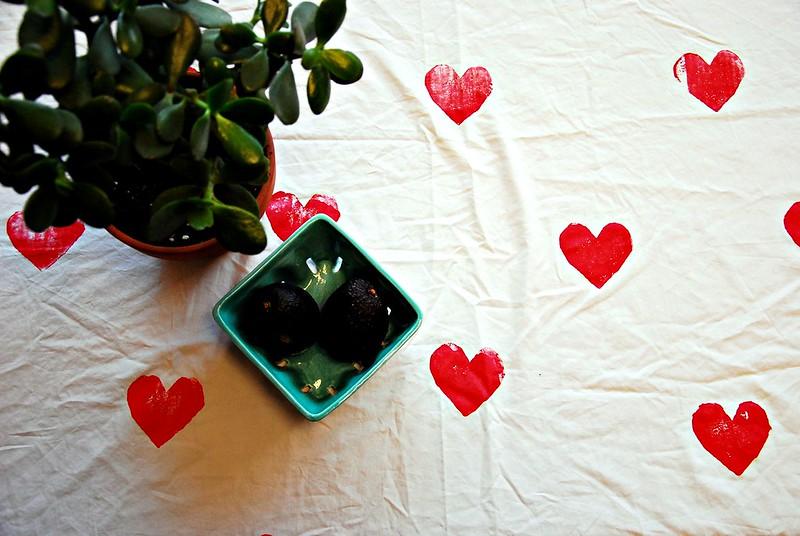 heart print tablecloth