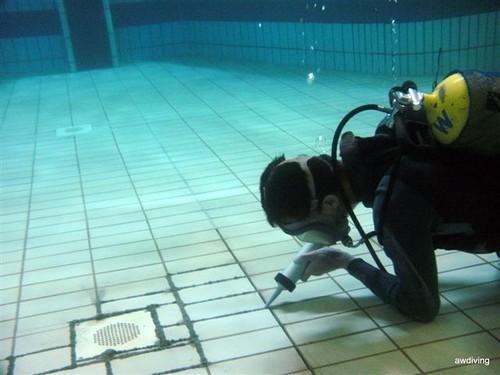 AW DIVING : Aanbrengen van onderwater voeg