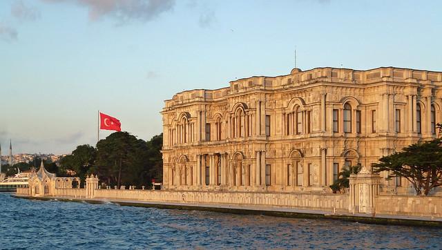 Turquie - jour 3 - Istanbul - 106 - Sur le Bosphore de Beşiktaş à Beşiktaş - Beylerbeyi Sarayı