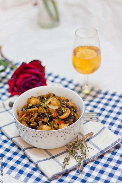 Oyter Mushroom & Black Bean Pasta