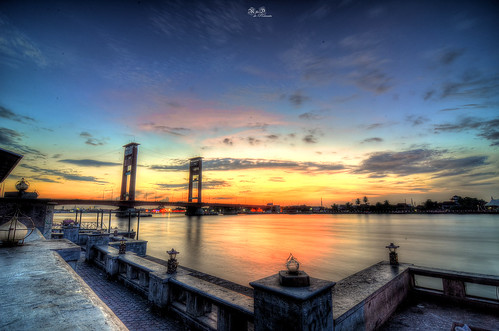palembang jembatanampera ampera amperabridge bridge southsumatra sumatraselatan sumatra indonesia musi musiriver river sunrise bluehour cityscape panorama wallpaper rnd rnddeportraits