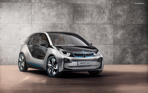 Schneider Electric поможет создать инфраструктуру зарядки для электромобилей BMW
