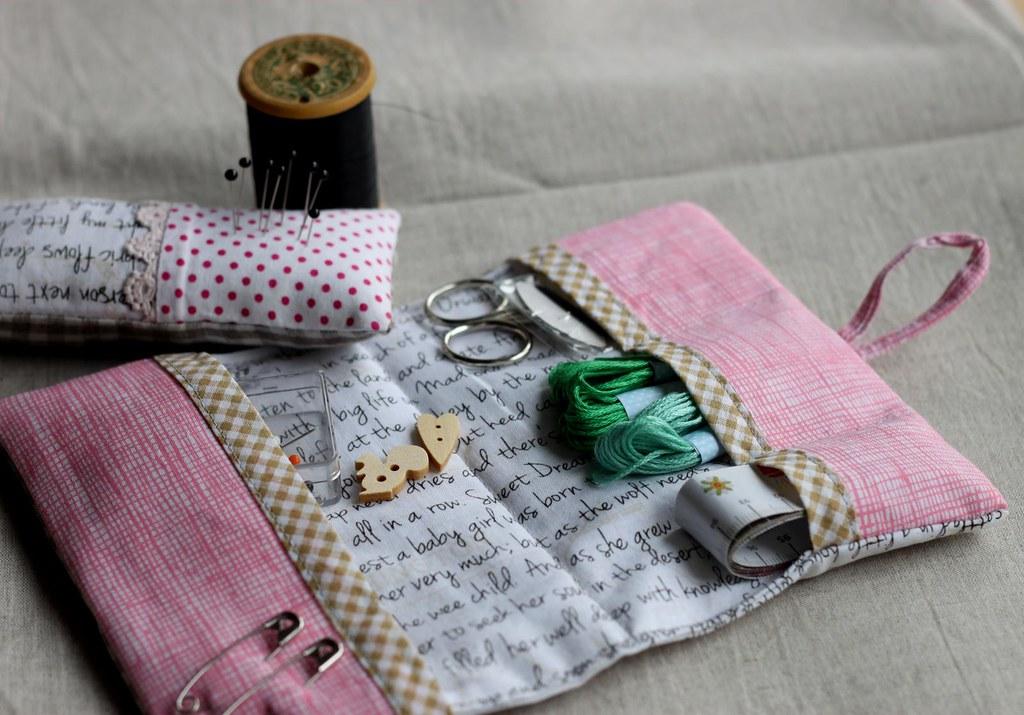 Portable sewing kit. Zakka.