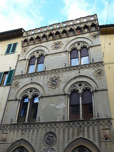 belle façade Pise.jpg