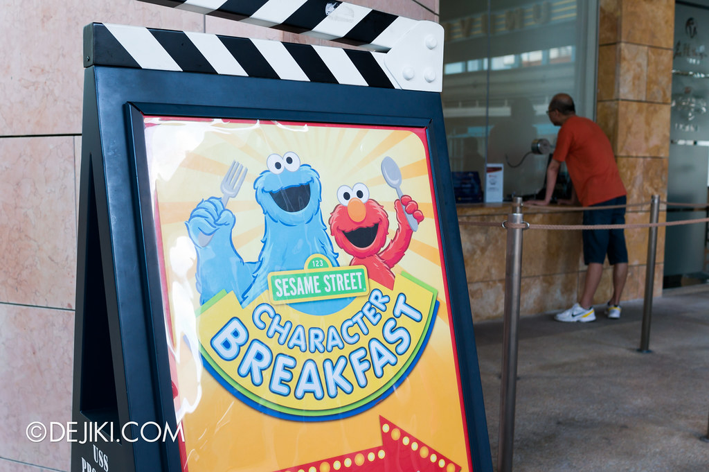 Sesame Street Character Breakfast at Universal Studios Singapore - Signage at park entrance