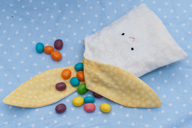 stitched by crystal tutorial bunny treat bags with free pattern