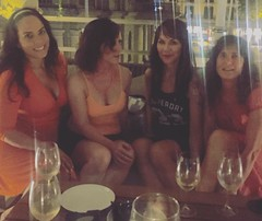Summer nights in #Barcelona with the #ladyparty ! #hoteloasisbarcelona #rooftop