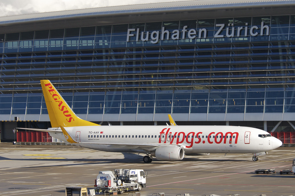 686ai - Pegasus Airlines Boeing 737-800; TC-AAY@ZRH;02.01.2013