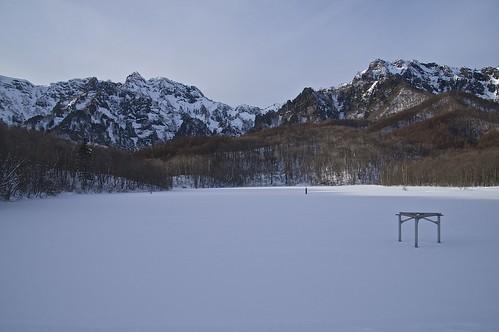winter snow sony 日本 snowshoeing tamron 雪 冬 amount togakushi 鏡池 戸隠 スノーシュー b008 戸隠連峰 lakekagamiike 18270mmf3563diⅱpzd α37 slta37y