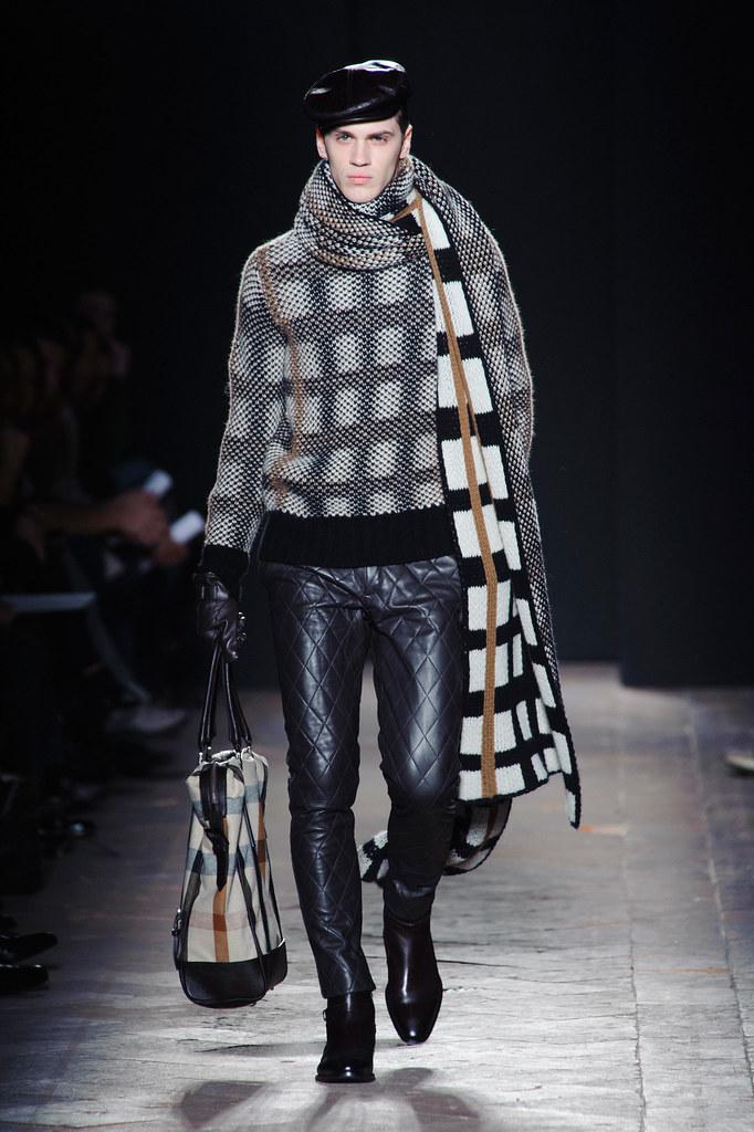 FW13 Milan Daks006(fashionising.com)