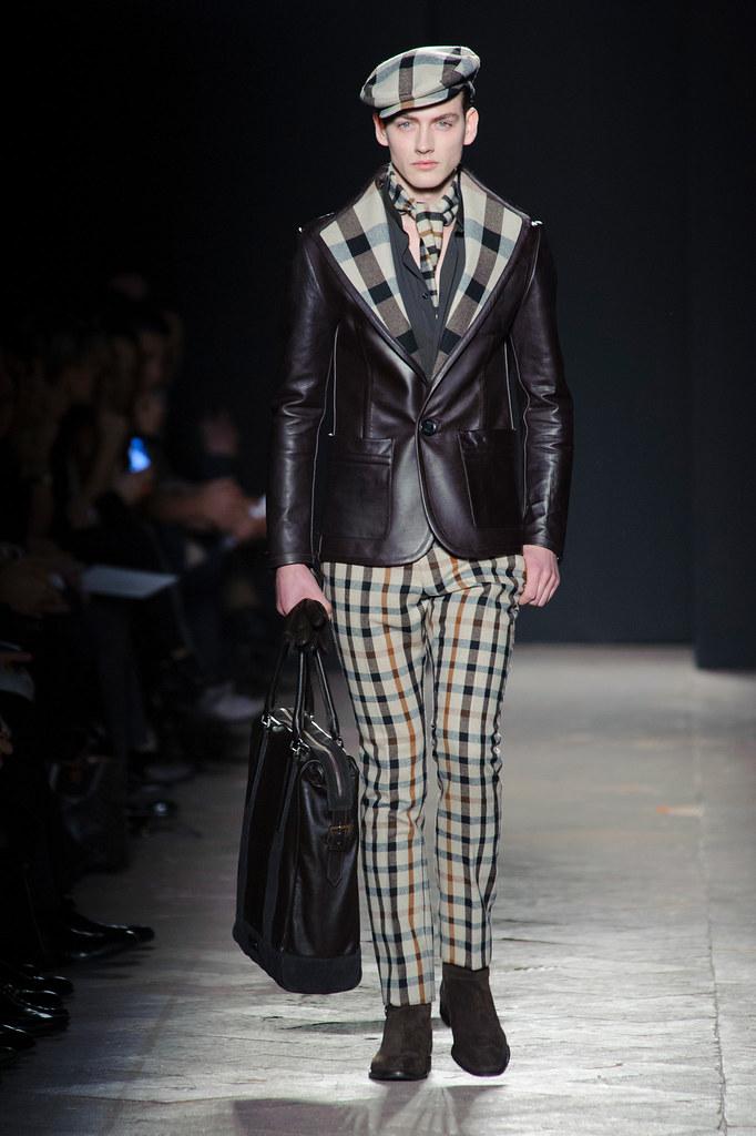 FW13 Milan Daks024_Jakob Hybholt(fashionising.com)