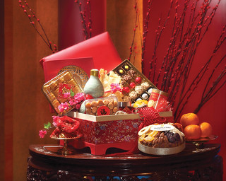 The Prosperity Hampers by Lemon Garden 2Go, Shangri-La Hotel, Kuala Lumpur are available from 8 January to 24 February 2013.