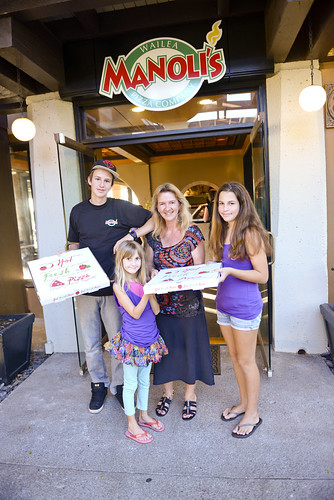 016_manoli's_pizza_wailea_sean-m-hower_mauitime