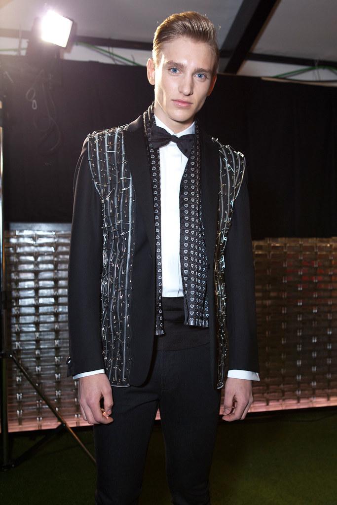 Jeroen Smits3007_FW13 Milan Moschino(fashionising.com)