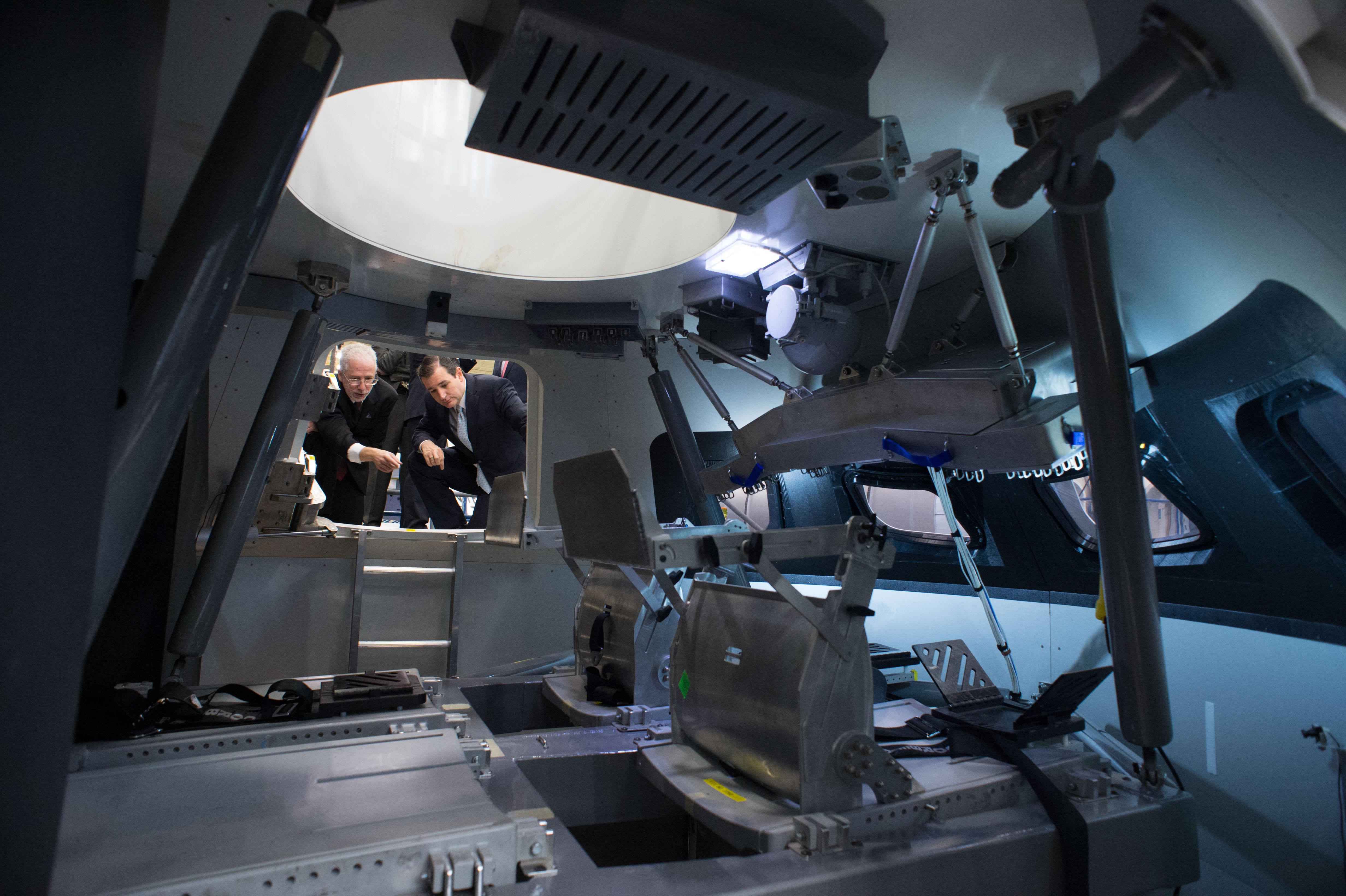 how big inside spacecraft - photo #12
