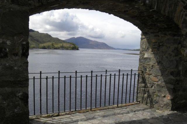 LCH Ann 06 Archway at Eilean Donan Castle