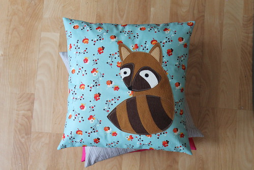 raccoons in love pillows