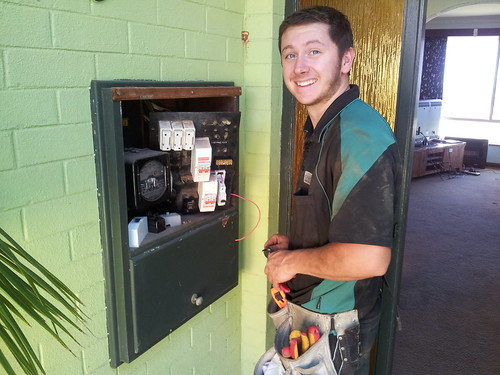 <p>Adam wiring in the power circuit at the switchboard for the Teco wall split.</p>