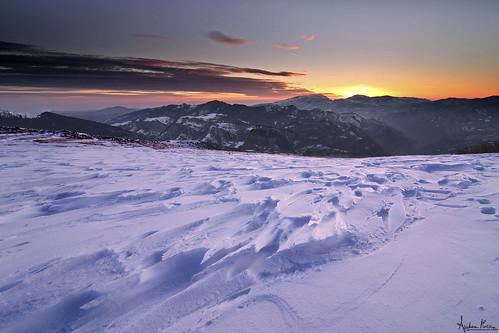 sunset italy mountain snow sunrise nikon italia tramonto wind alba neve montagna paesaggio vento manfrotto sibillini d90 montisibillini parconazionaledeimontisibillini nikond90 forcadipresta sibylline nationalparkofthesibillinimountains forklends unalbaghiacciatalandscape anicydawn