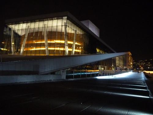 L'opéra d'Oslo de nuit