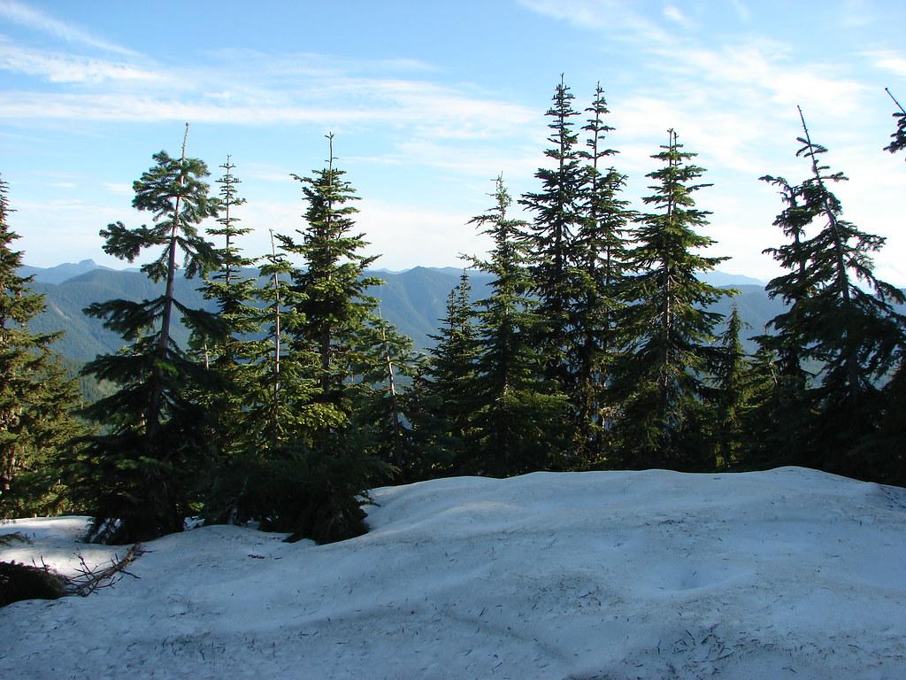 Snow along the Elkhorn Ridge Trail