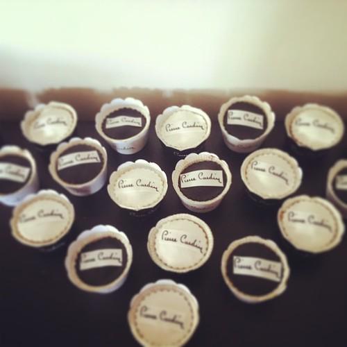 #pierrecardincupcakes #logocupcakes @rachelsparty by l'atelier de ronitte