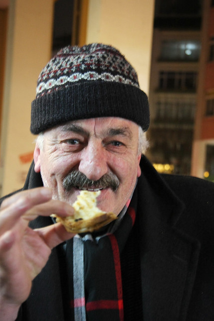 A man in Kadikoy, Istanbul, Turkey カドゥキョイのおじさん