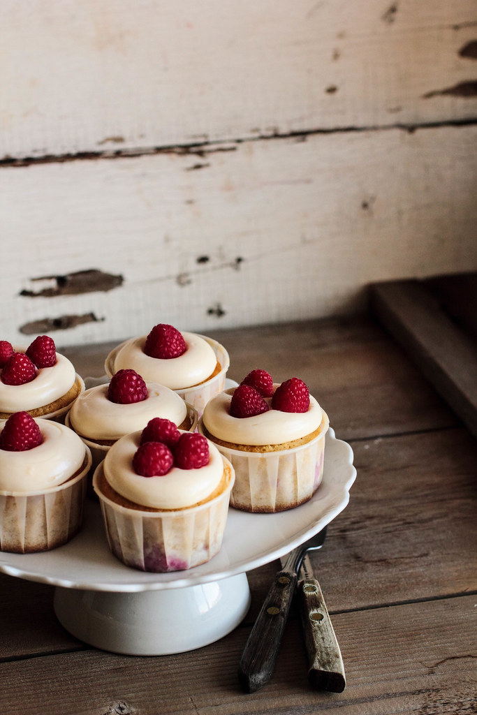 Raspberry Lemon Cream Cheese Cupcakes