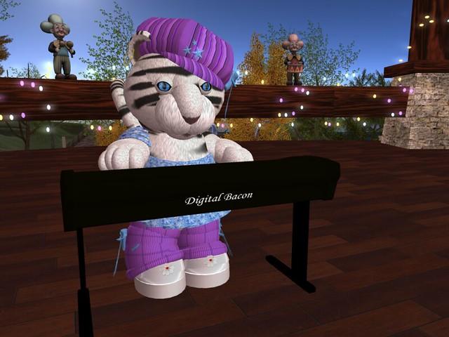 I plays keyboards for Ganjo