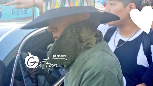 Big Bang - Gimpo Airport - 20may2015 - G-Dragon - GD Fan - 01