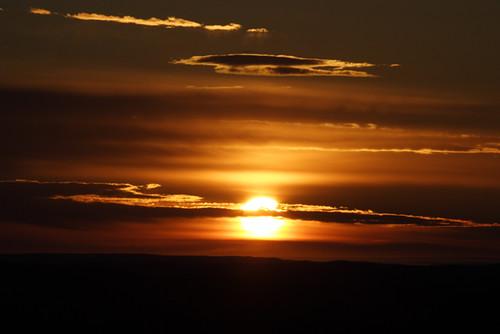 十勝平野に昇る朝日