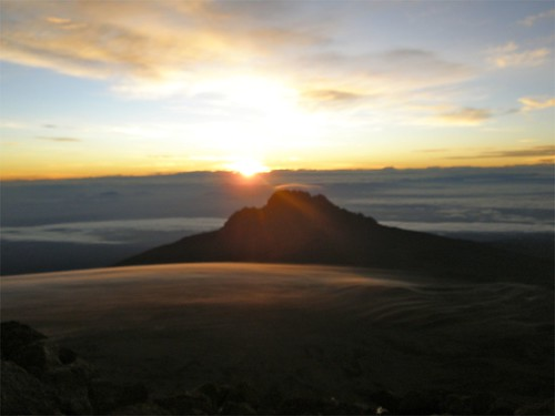 kilimanjaro clouds sunrise tanzania mawenzi kibo