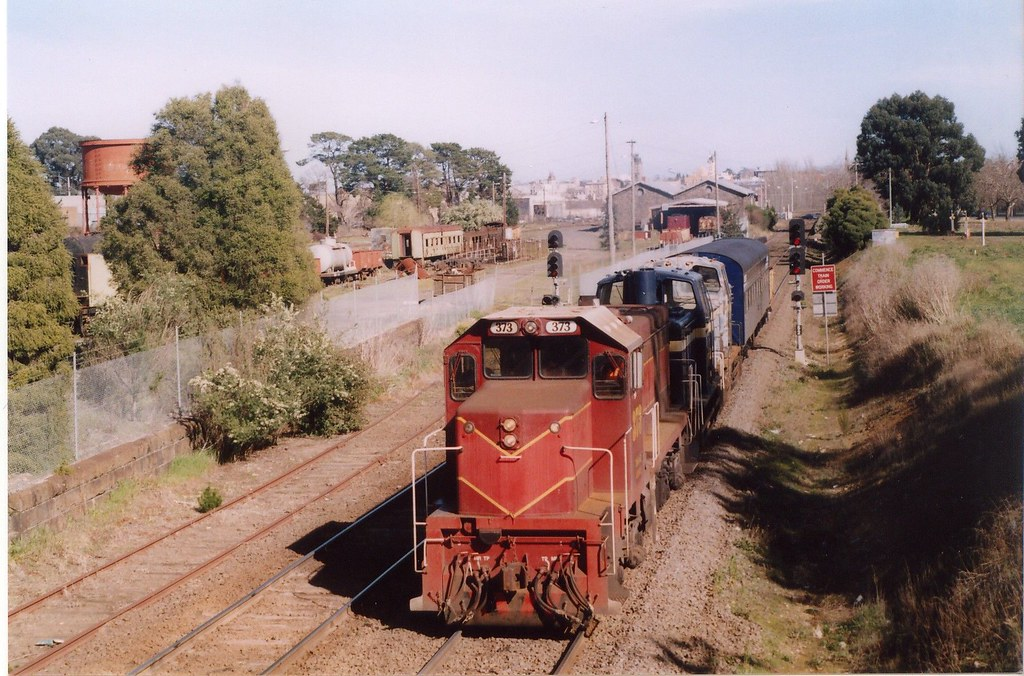 373 Ballarat East 8/2004 by Norm Bray