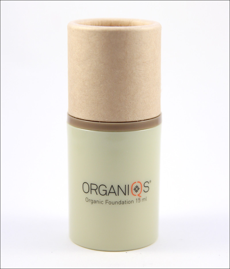 Organiqs organic foundation