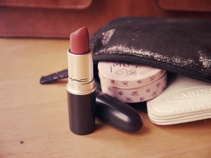 handbag essentials 3