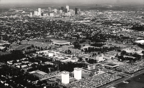 Aerial view of University of Houston and downtown