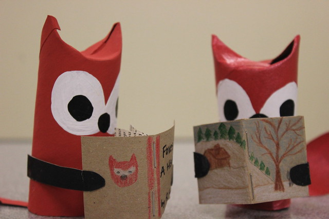 Paper Tube Foxes Reading 2