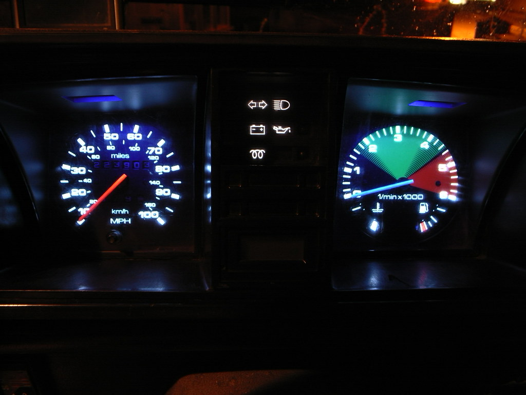 T3 T25 Vanagon Plasma Gauge upgrade - Night view