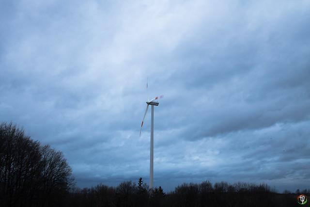 Windkraftanlage in Bewegung
