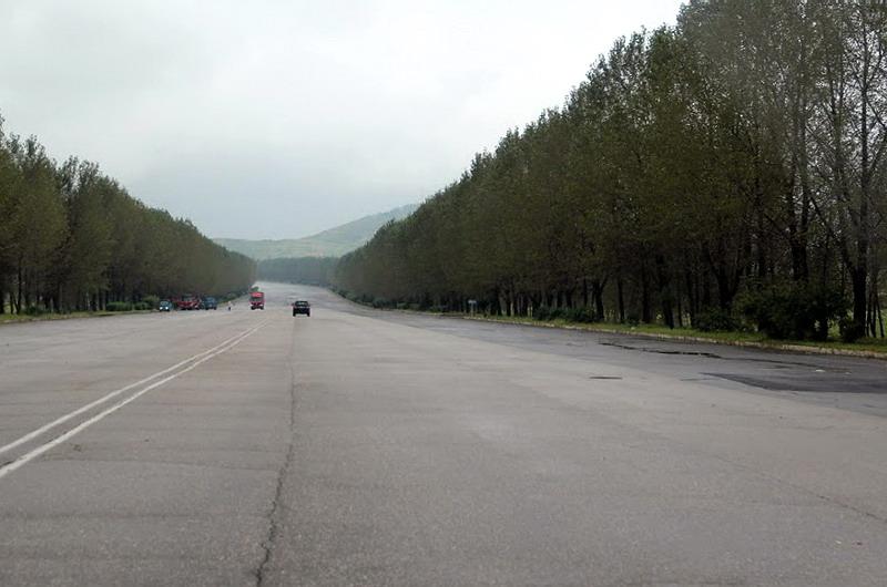North Korea. Road(1)