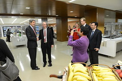Secretary Kerry Drops by the Cafeteria