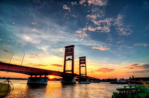 bridge wallpaper panorama sunrise river sumatra indonesia cityscape bluehour ampera palembang musi rnd southsumatra musiriver sumatraselatan jembatanampera amperabridge rnddeportraits