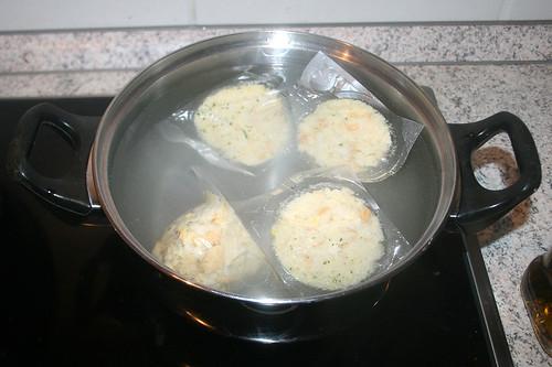 55 - Klöße kochen / Cook dumplings
