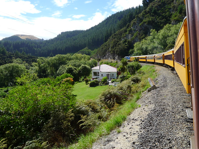 Taieri Gorge Railway , Dunedin