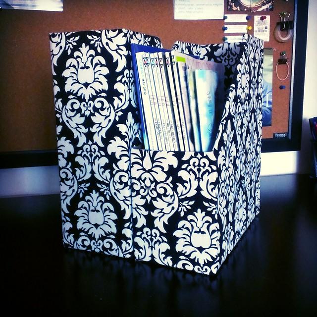 Angelase activity diy damask magazine file box for Diy magazine box