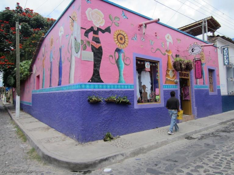Ajijic Street Scene : Mural